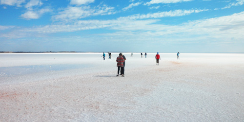 Best Lake Eyre Tour with multiple salt lake experiences.