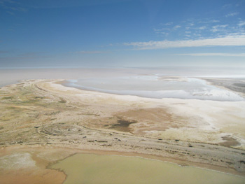 Lake Eyre 4wd Tours include a two hour flight over Lake Eyre and the Painted Hills.