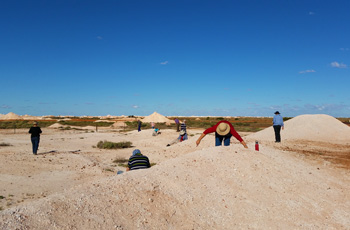 Noodling in Coober Pedy on Outback Tours in Australia
